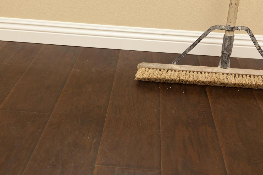 broom wooden floor cleaning